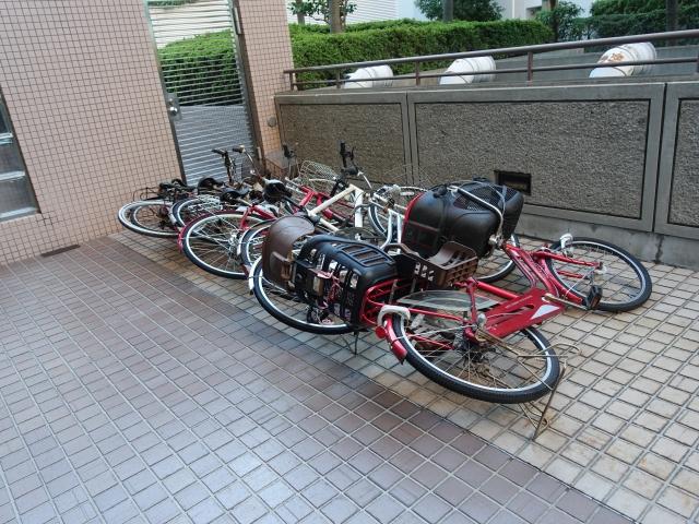 大切な自転車が強風で転倒するのを防止したい!対策をご紹介
